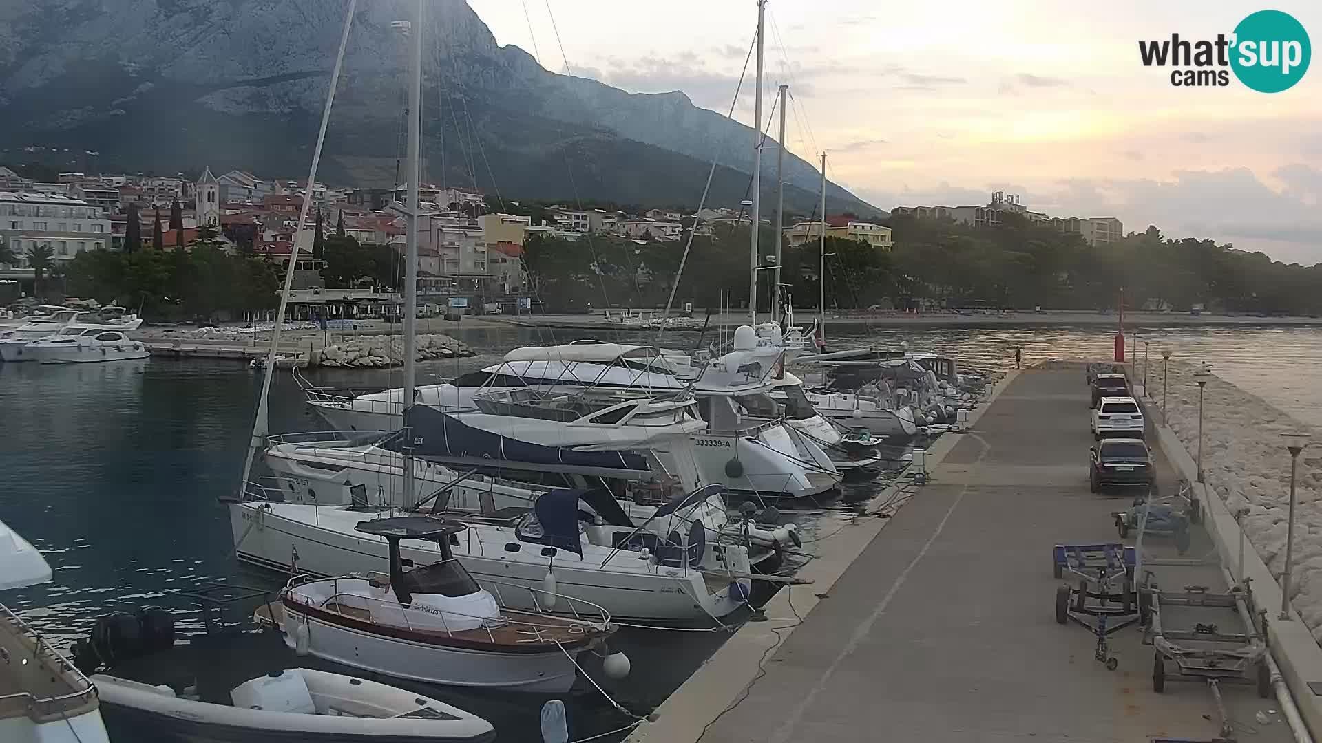 Spletna kamera – Baška Voda, pogled na mesto in goro Biokovo