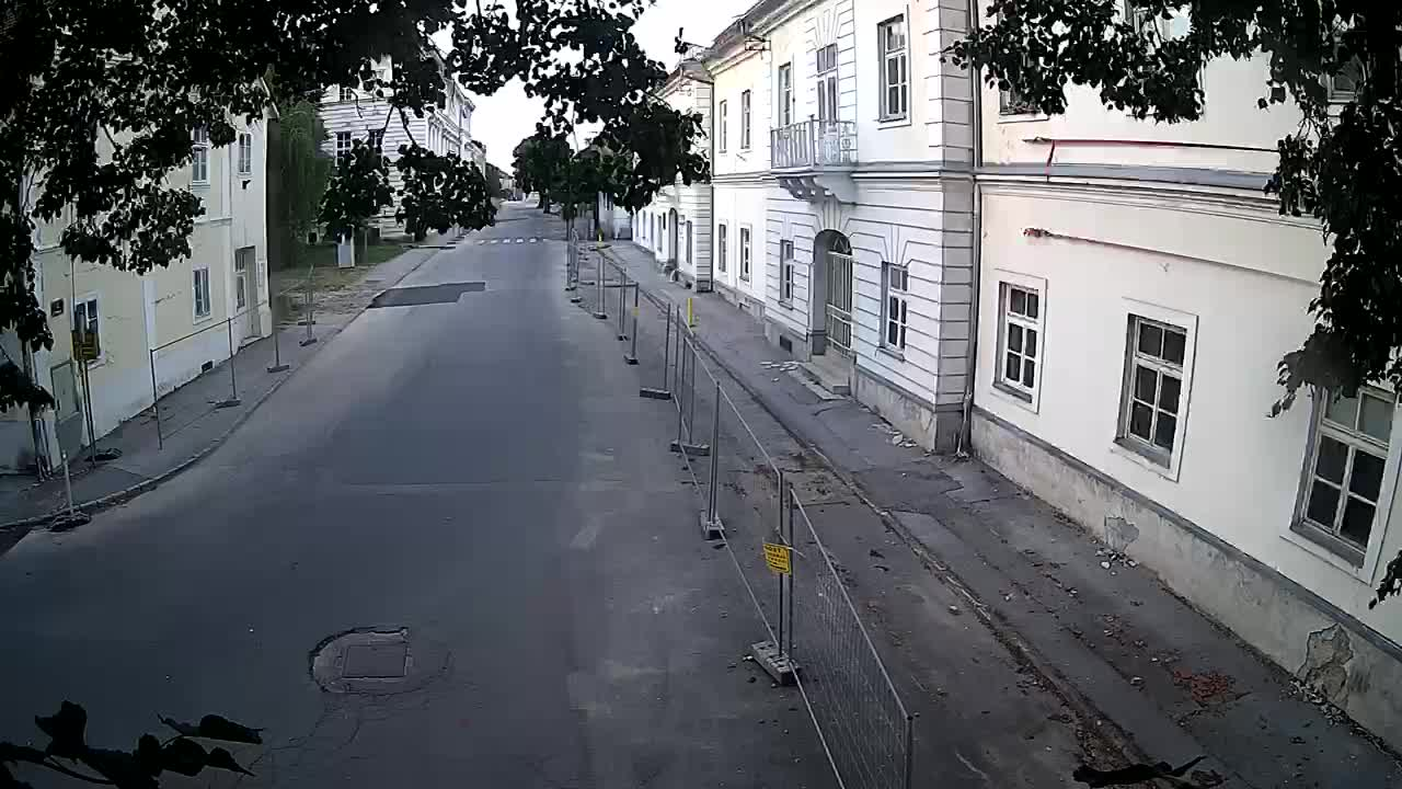 Petrinjska prenova srednje šole in mestne uprave po potresu – Kamere v živo Hrvaška