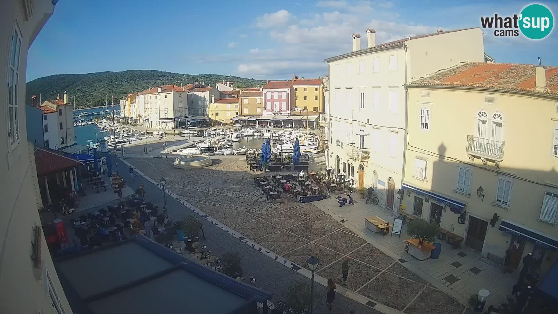 """V ŽIVO spletna kamera Cres mesto – glavni trg in """"mandrač"""" – otok Cres – Hrvaška"""