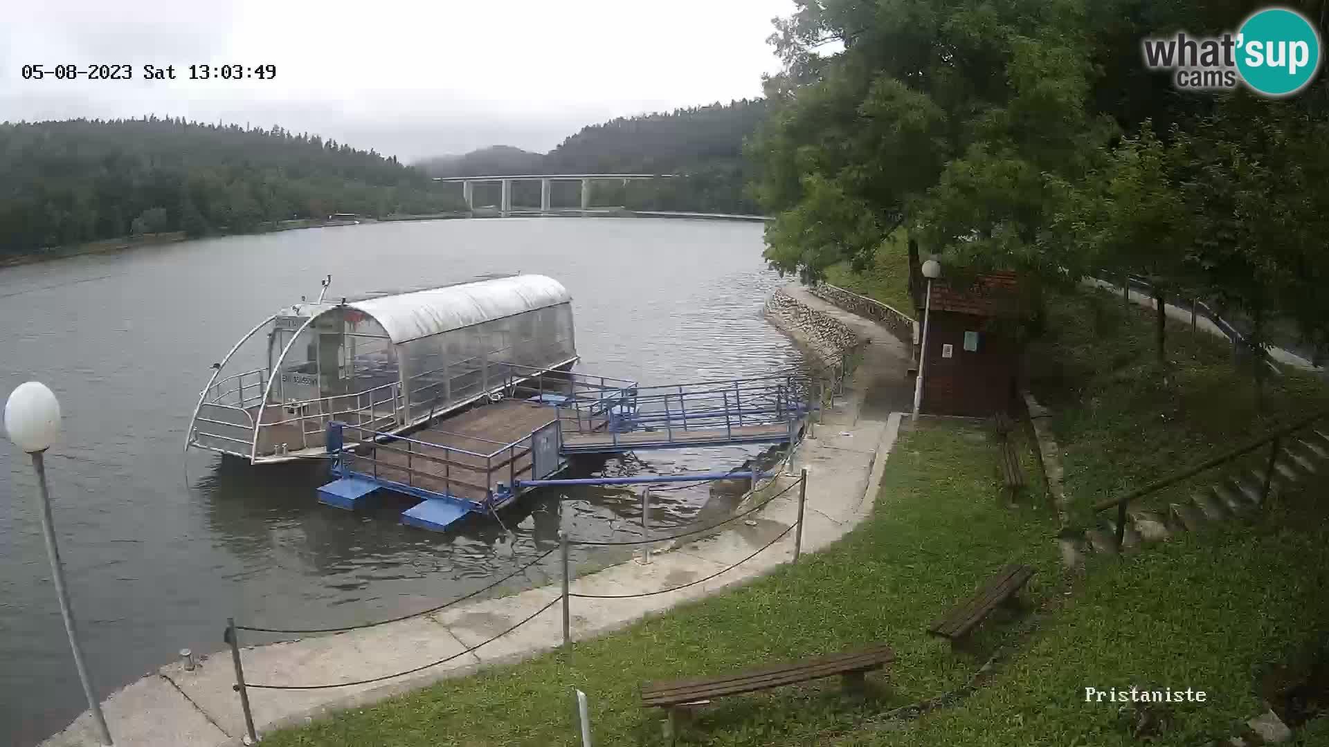 Bajer See webcam Bajersko Jezero Fužine Touristenboot