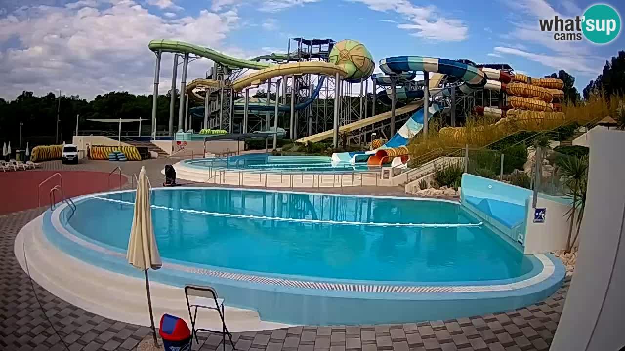 Istralandia webcam – Six water slide square