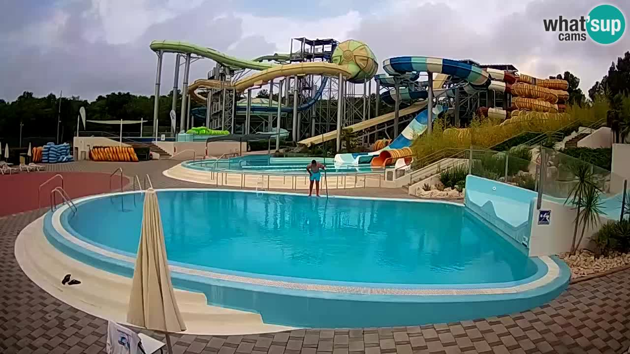 Istralandia v živo – Six water slide square