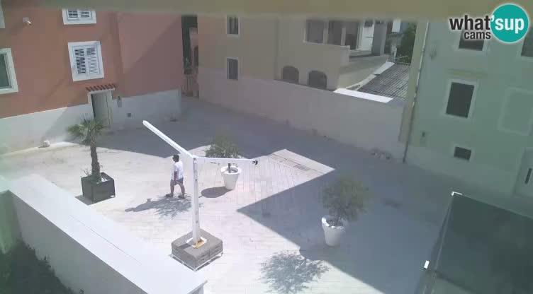 Novalja – Alojzija Stepinca square and Dalmatinska street