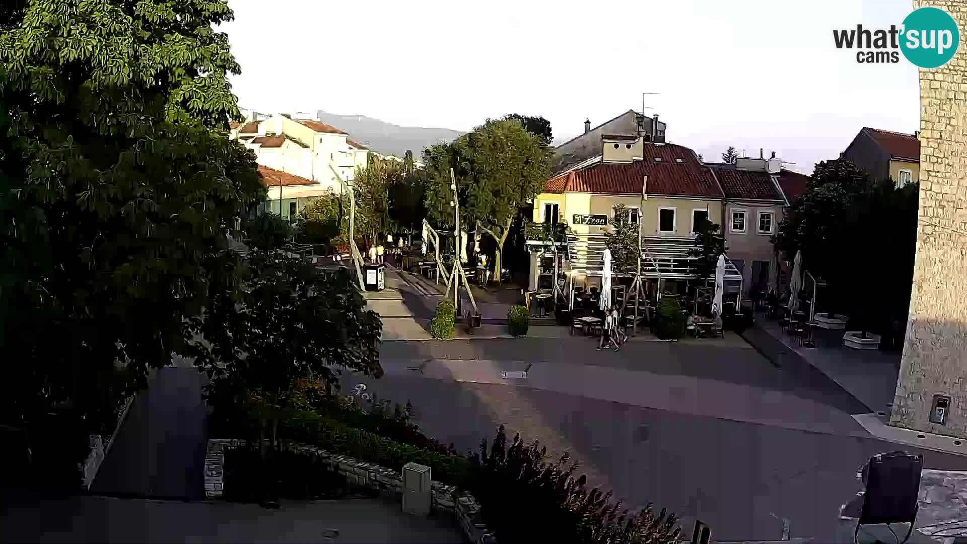 Webcam live – Novi Vinodolski – Main street Hrvatskih Branitelja