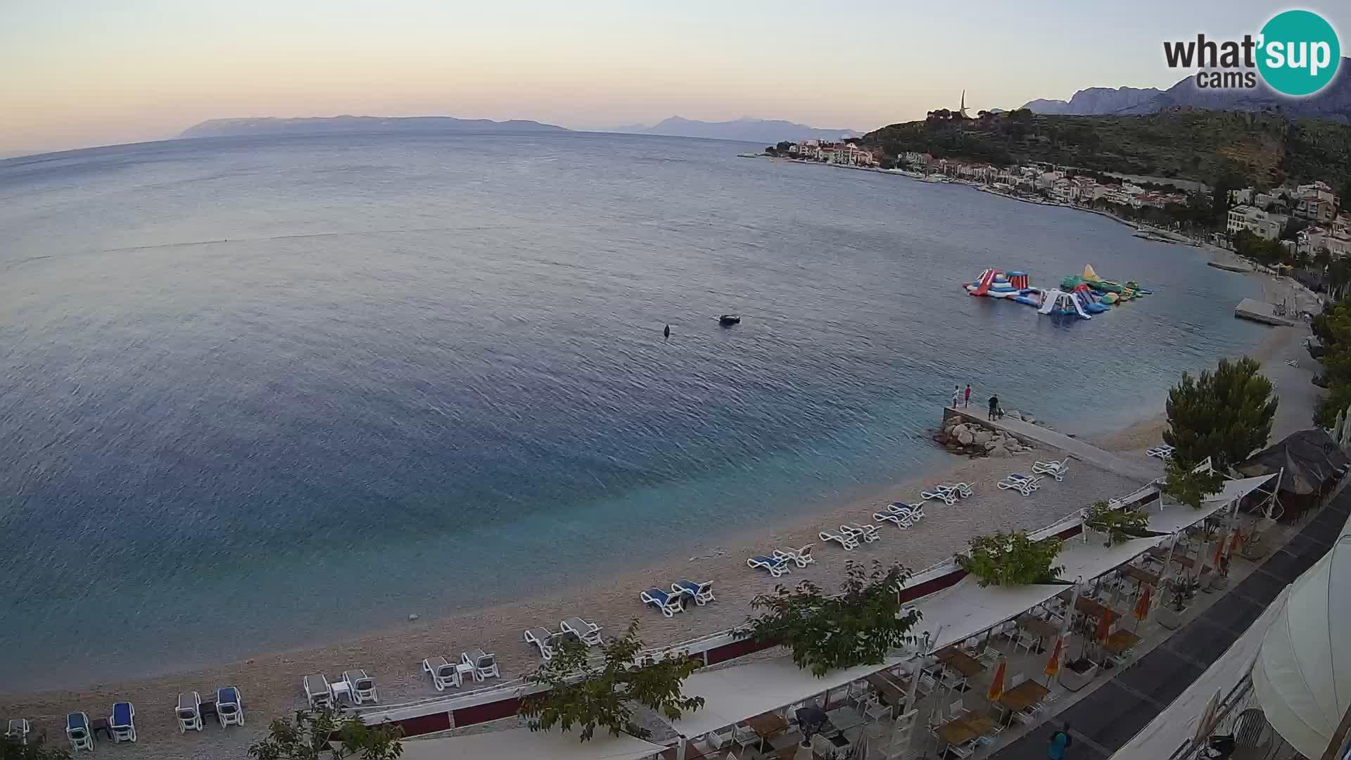 Pogled na plažu Podgori