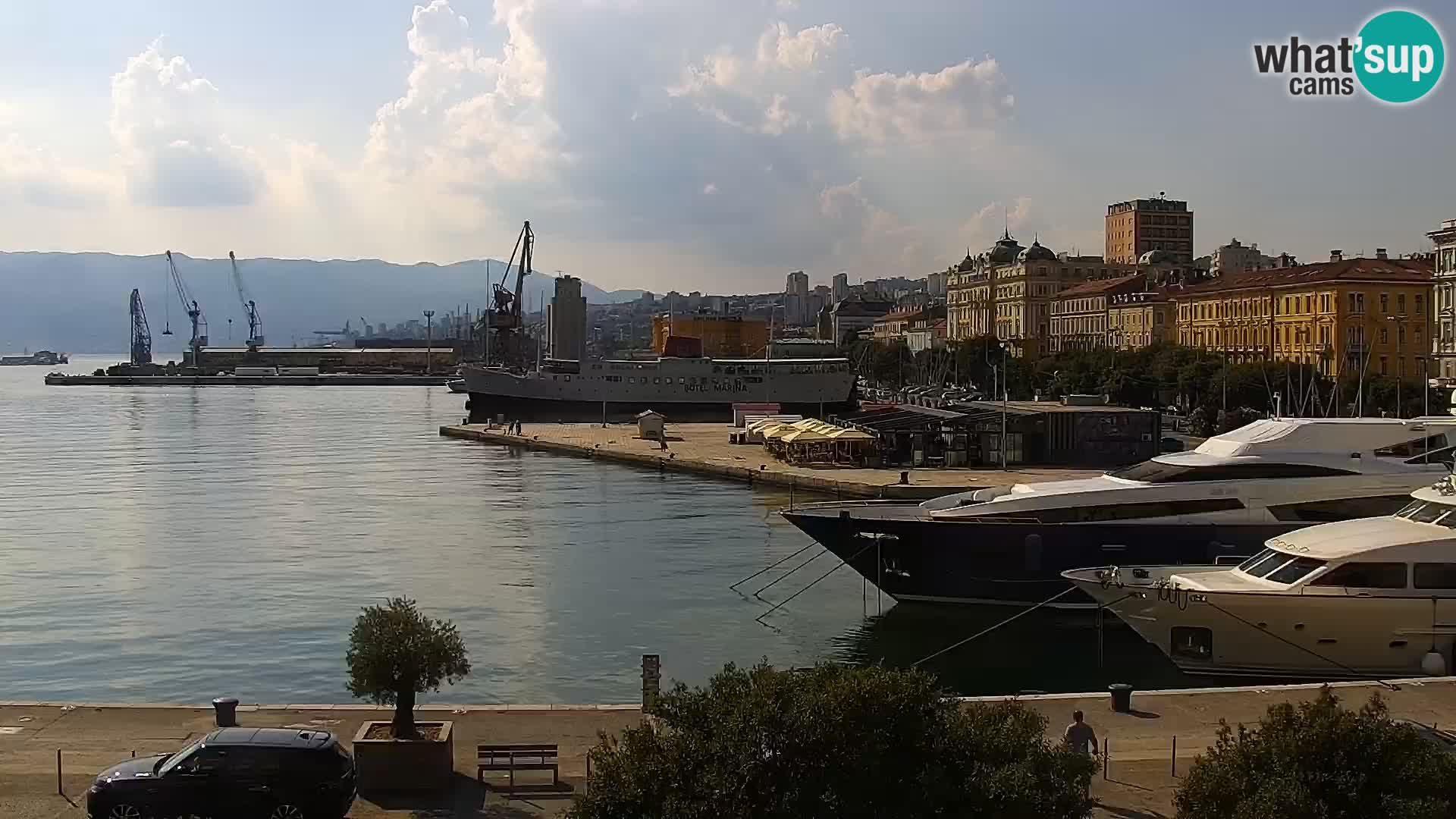 La Riva y Marina en Rijeka – Webcam en vivo Croacia