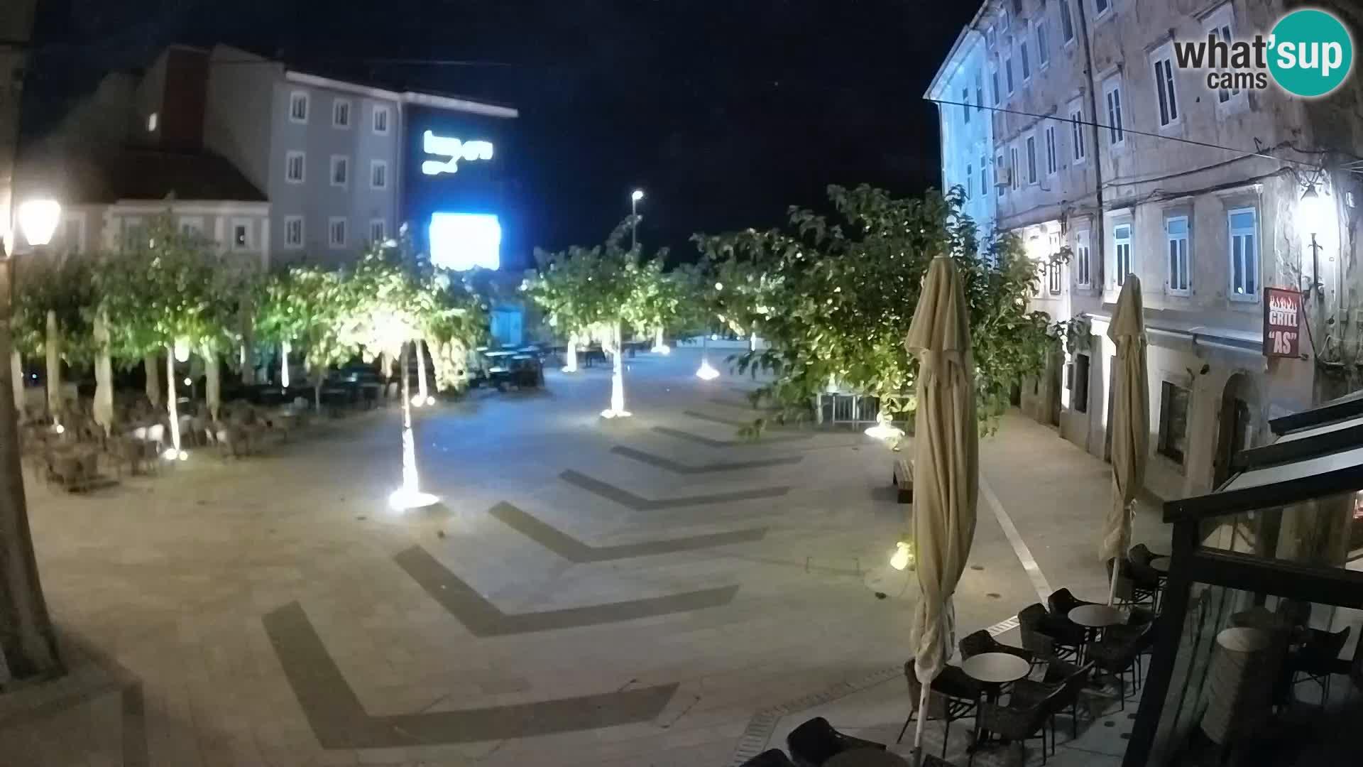 Centar grada Senja – Pavlinski trg – web kamere Dalmacija