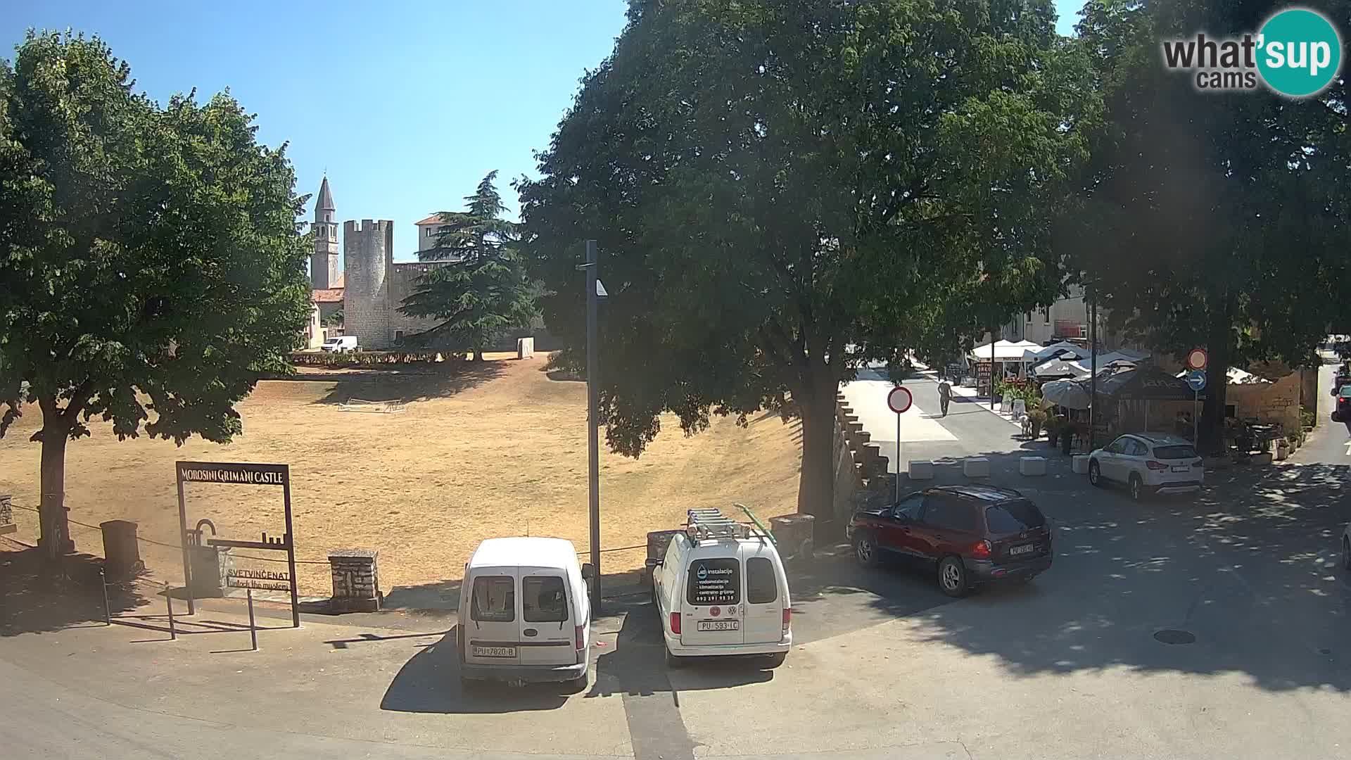 Uživo Svetvinčenat – pogled na dvorac Morosini Grimani – Istra