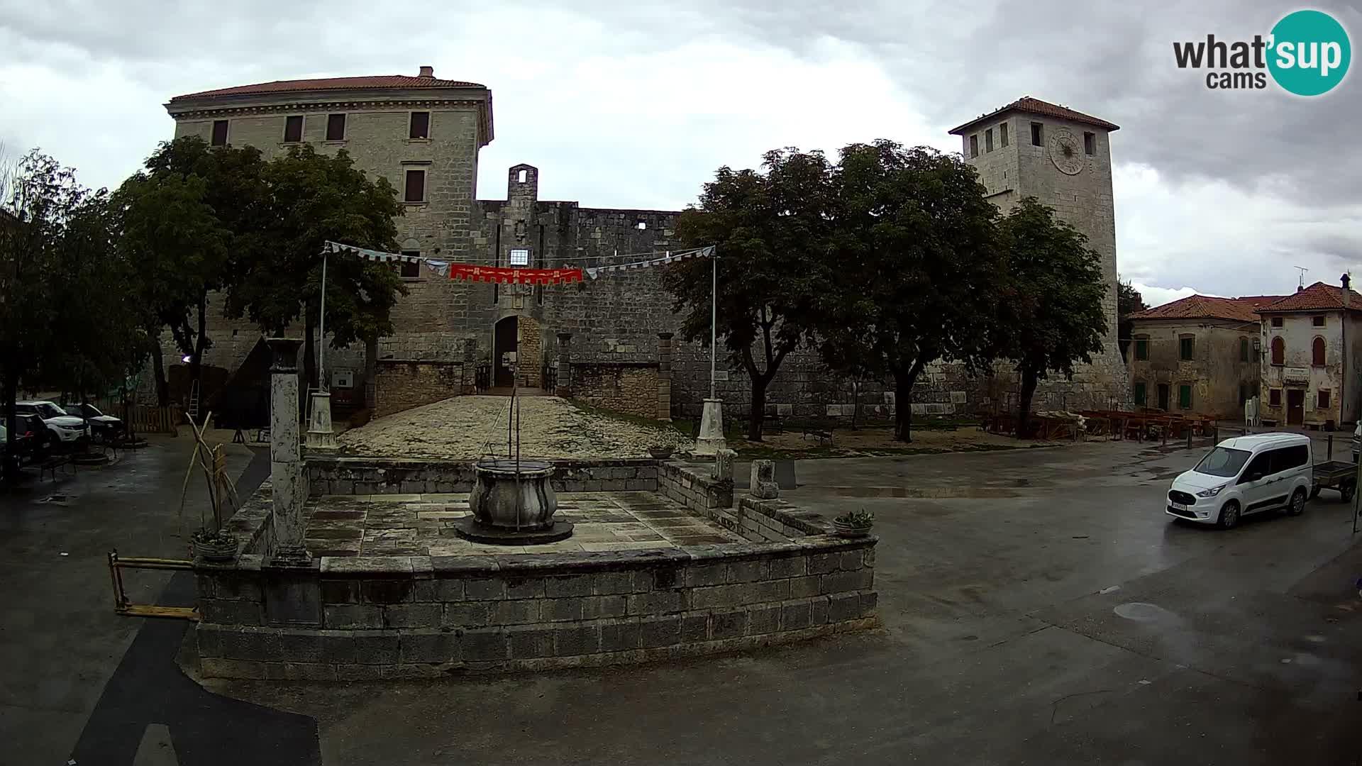 Webcam Svetvinčenat (Sanvincenti) – il castello e il pozzo – Istria – Croazia