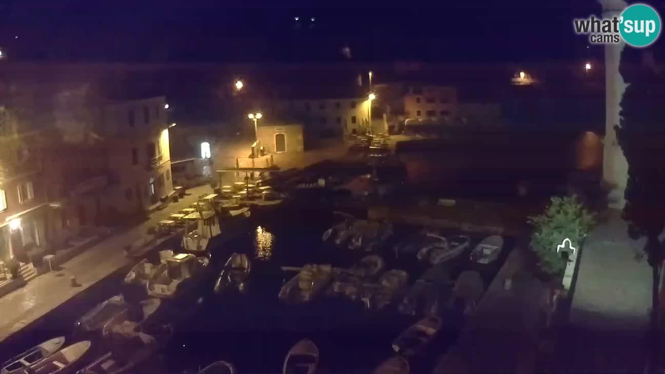 Webcam dal vivo – Il porticciolo e la baia di Lussingrande
