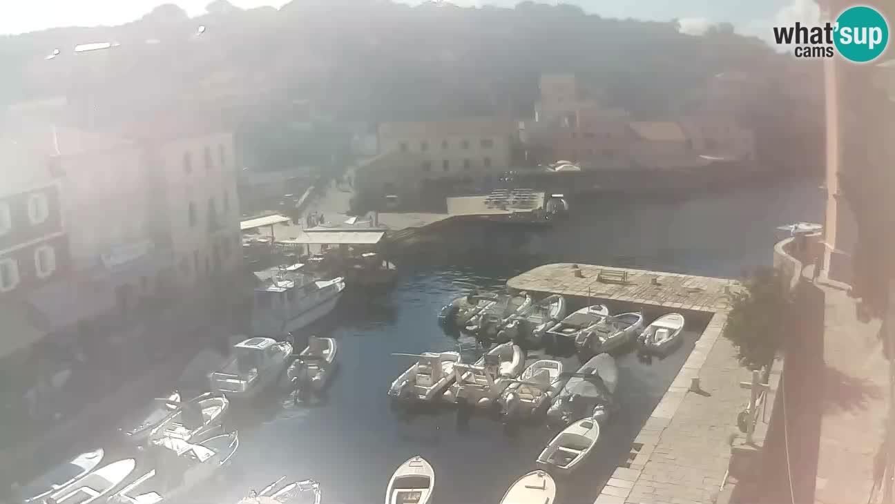 Spletna kamera – Pristanišče in zaliv v Velem Lošinju