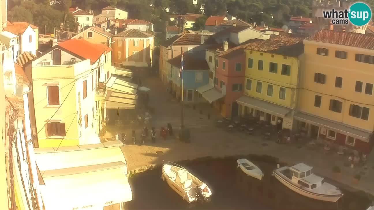 Veli Lošninj webcam – main square