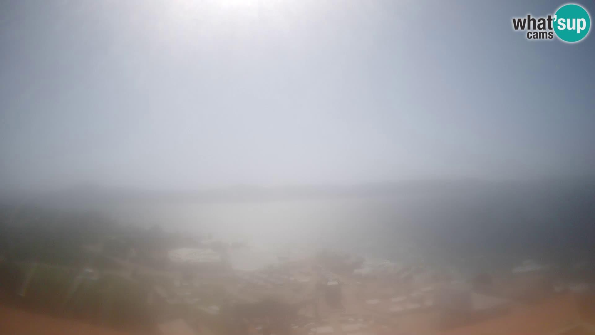 V živo Phi Beach – Forte Cappellini spletna kamera Porto Cervo – Arzachena – Sardinija