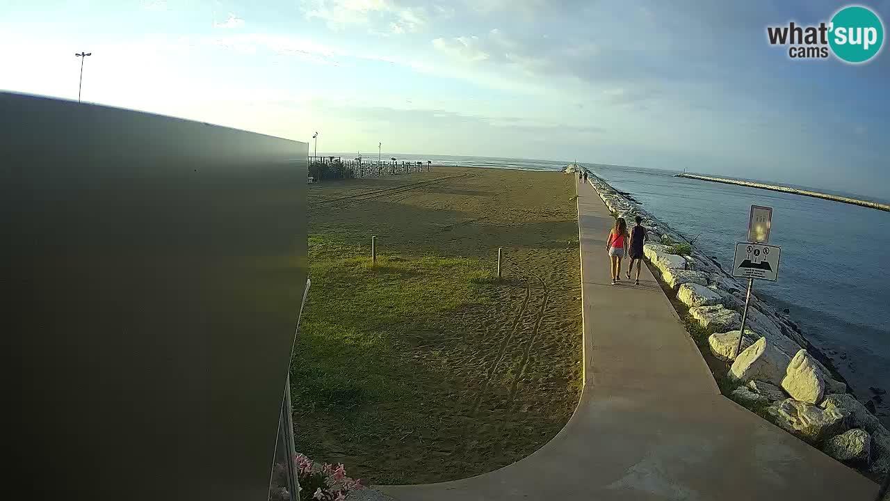 Spletna kamera Caorle  – Plaža Ponente – ob kanalu Livenza