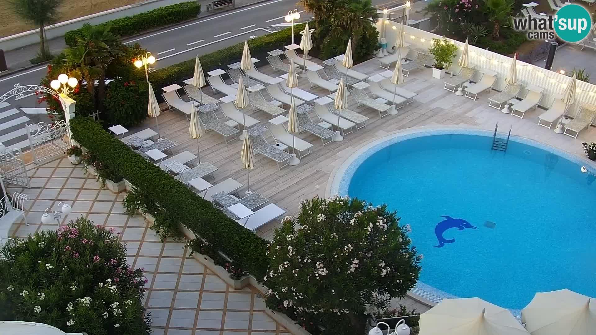 Spletna kamera Caorle – Plaža Levante – Hotel Alexander