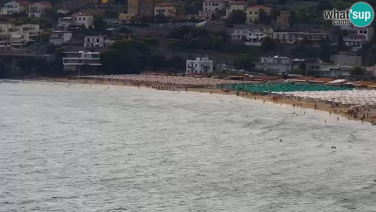 Camera en vivo Gaeta webcam Playa Serapo y promontorio Fontania