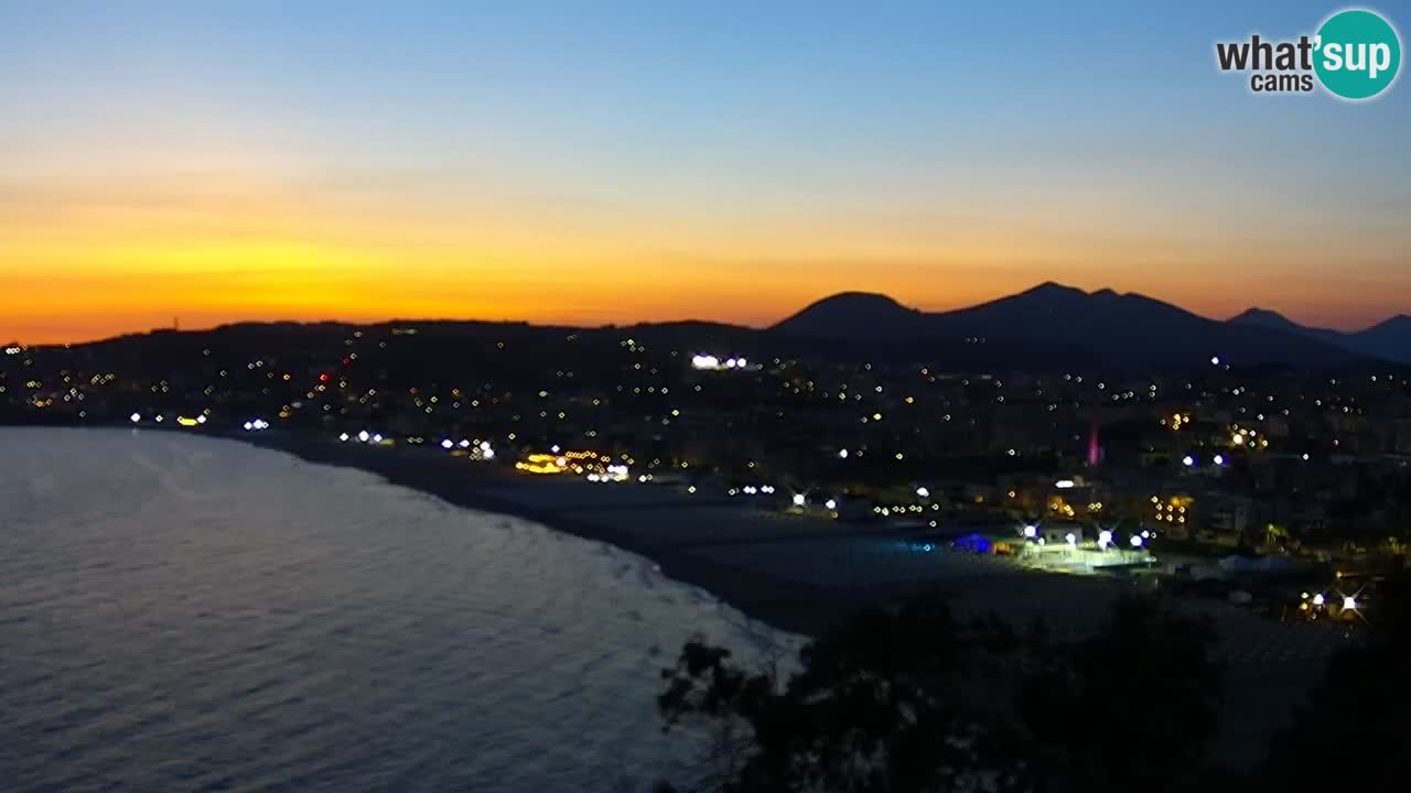 LIVE Gaeta webcam spiaggia di Serapo e promontorio di Fontania