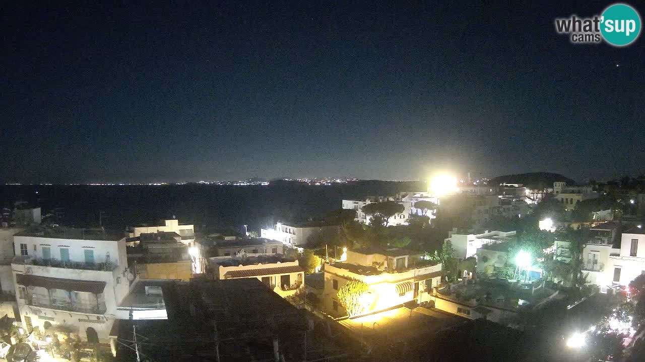 LIVE Webcam Ischia – View Gulf of Naples and Procida island livecam