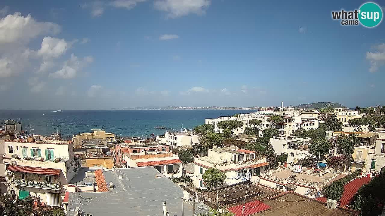Spletna kamera Ischia – Neapeljsi zaliv in otok Procida