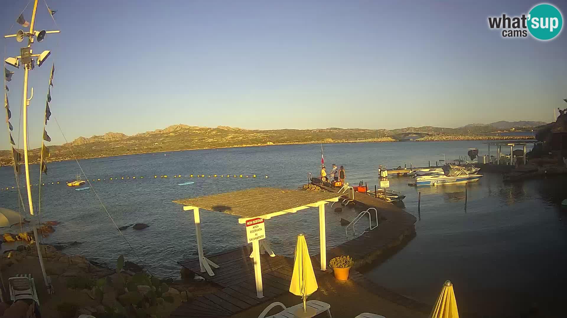 Čoln Lo Squalo IV – arhipelag spletna kamera La Maddalena – Sardinija – Italija