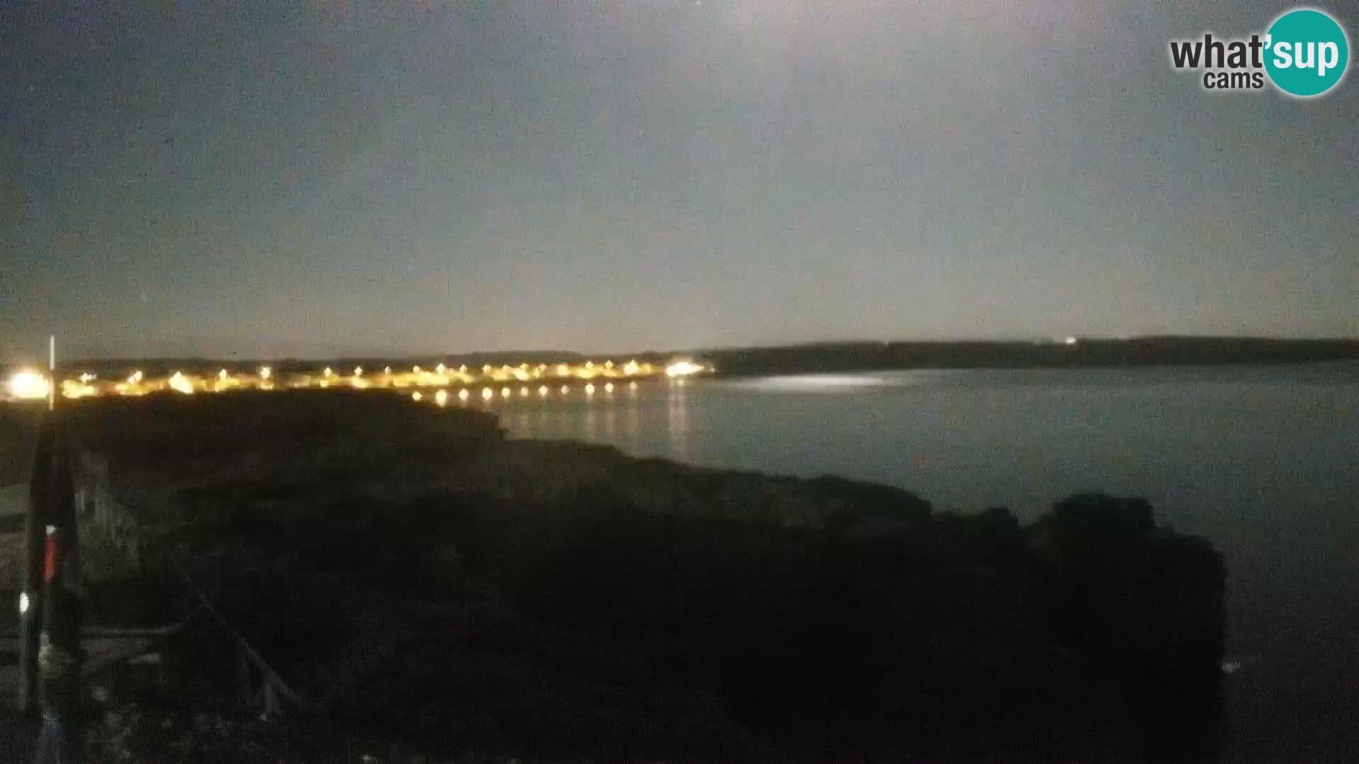 Spletna kamera v živo Plaža Putzu Idu – Arco di S'Architteddu – webcam Oristano Sardinija – Italija