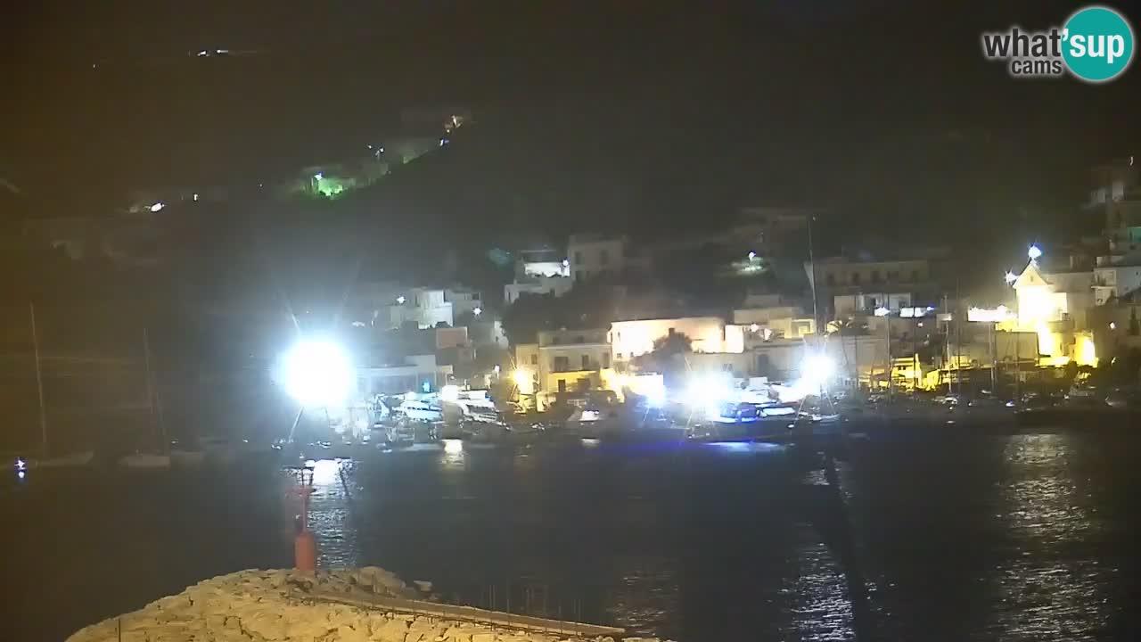 Otok Ponza – Pogled na pristanišče