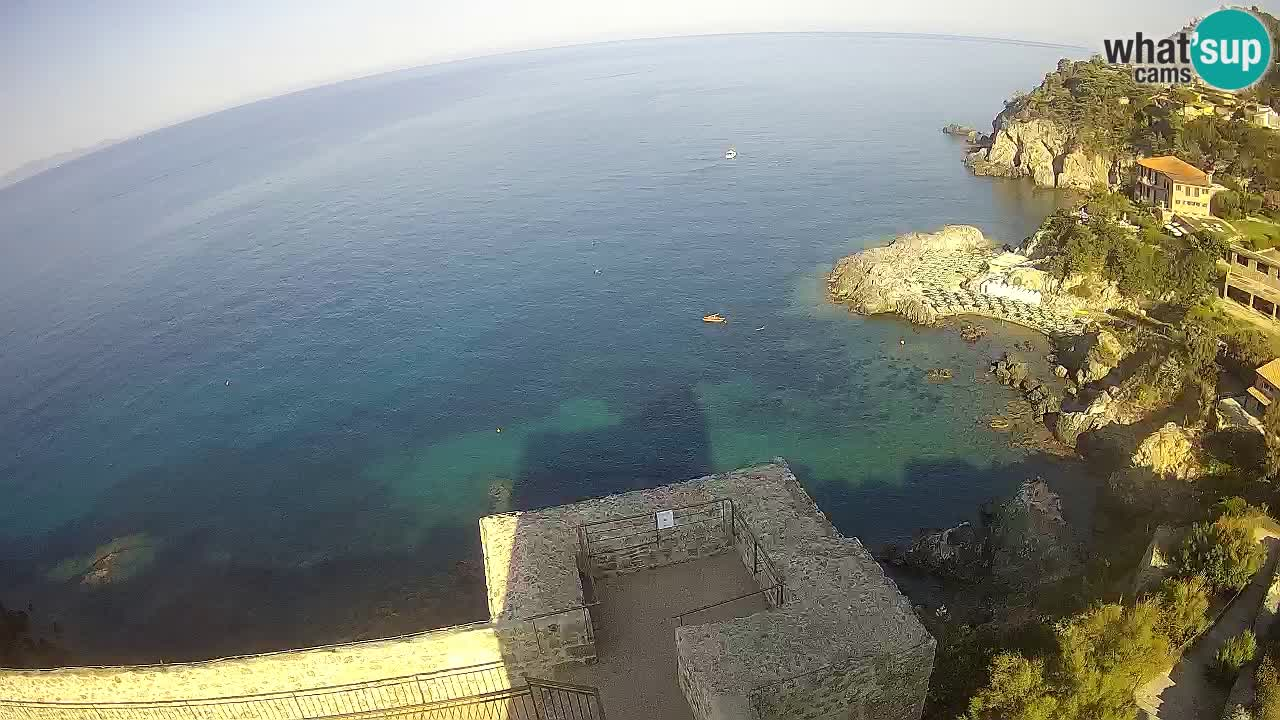 Webcam Talamone Spettacolare vista della scogliera dalla Rocca Aldobrandesca