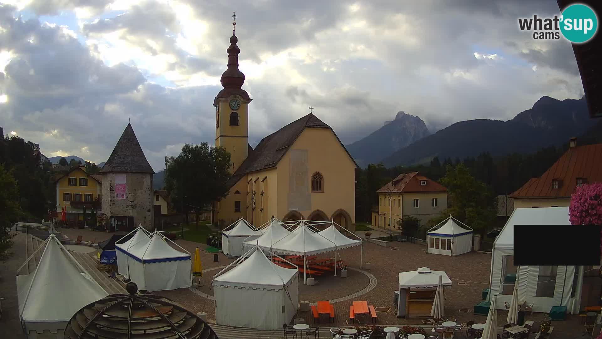 Tarvis – Platz Unità / Kirche SS.Pietro und Paolo Apostoli