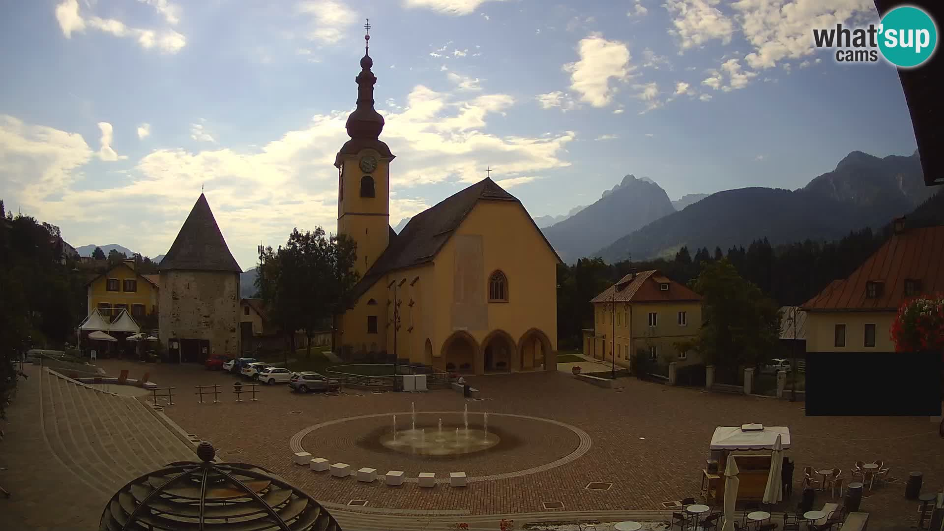 Trbiž – trg Unità / cerkev SS.Pietro in Paolo Apostoli