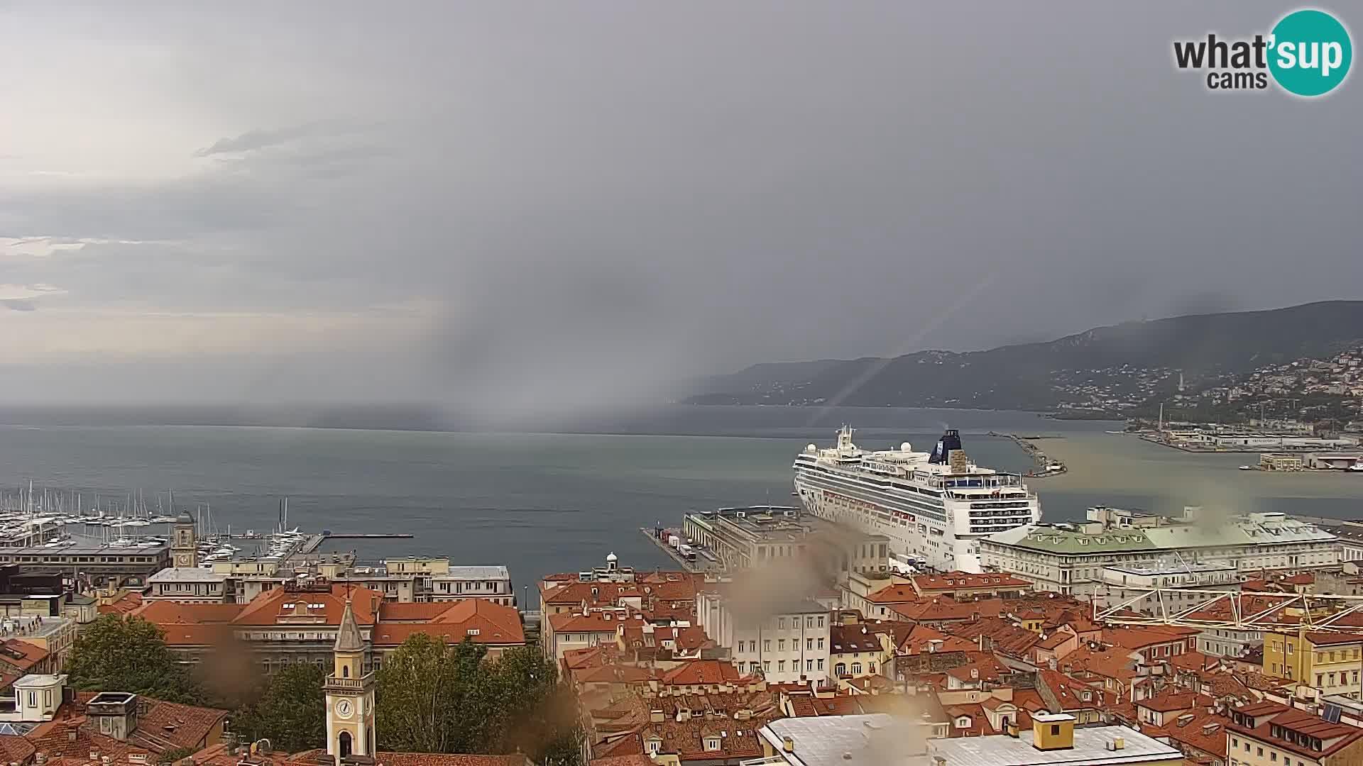 Webcam en direct Trieste, ville, golfe, port et château de Miramare