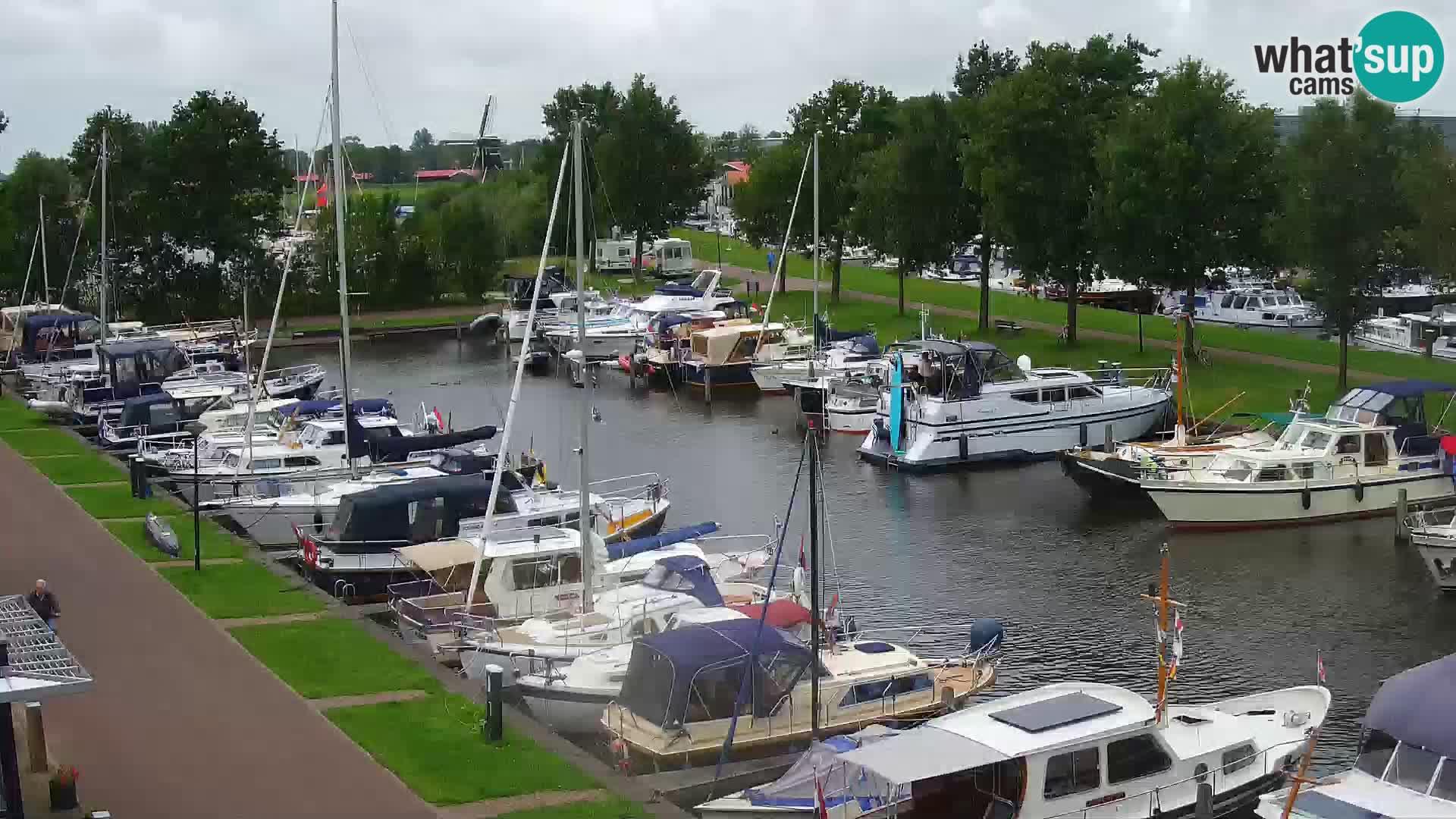 Joure harbour webcam – windmill view
