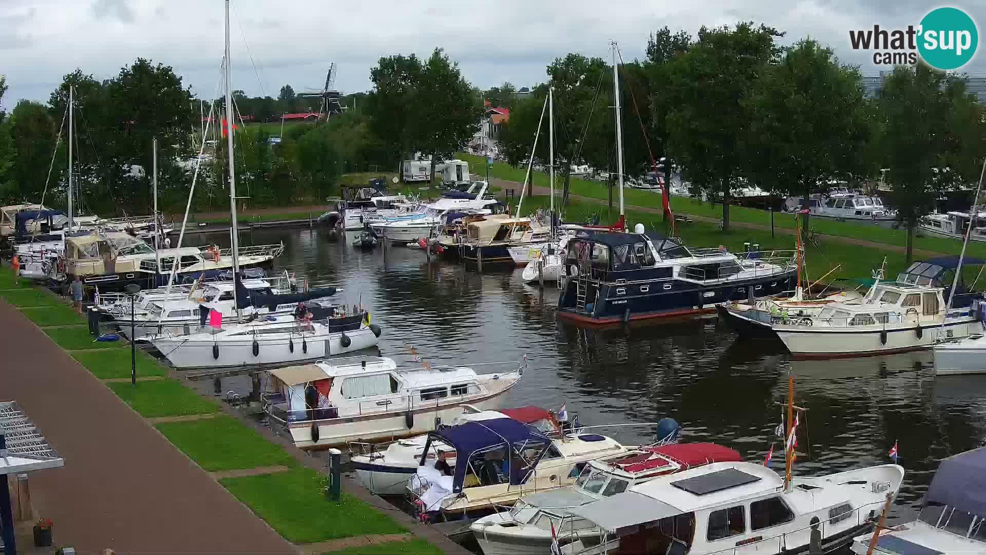 La marina di Joure livecam  – Vista del Mulino a vento