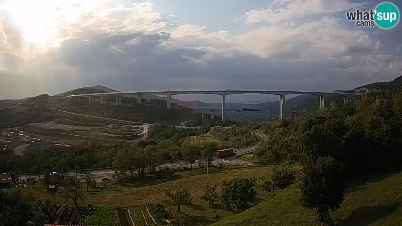 Web kamera Črni Kal Viadukt – pogled sa Viki Burgerja