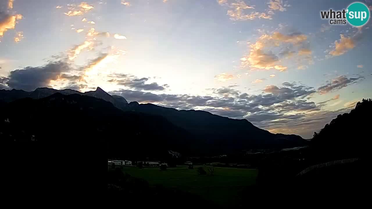 webcam Kobarid – landing site for sailing paragliders in Kobarid with Ozben takeoff
