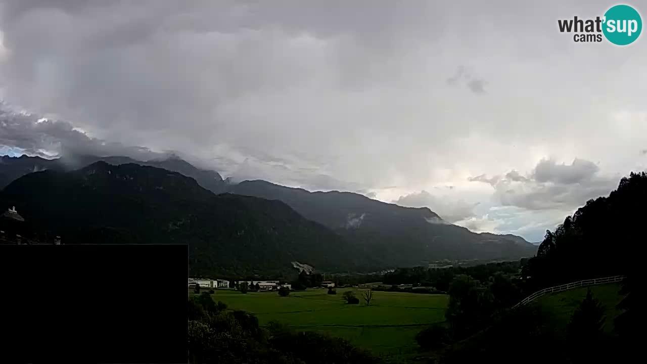 Web kamera Kobarid – slijetanje padobranom – Ozben