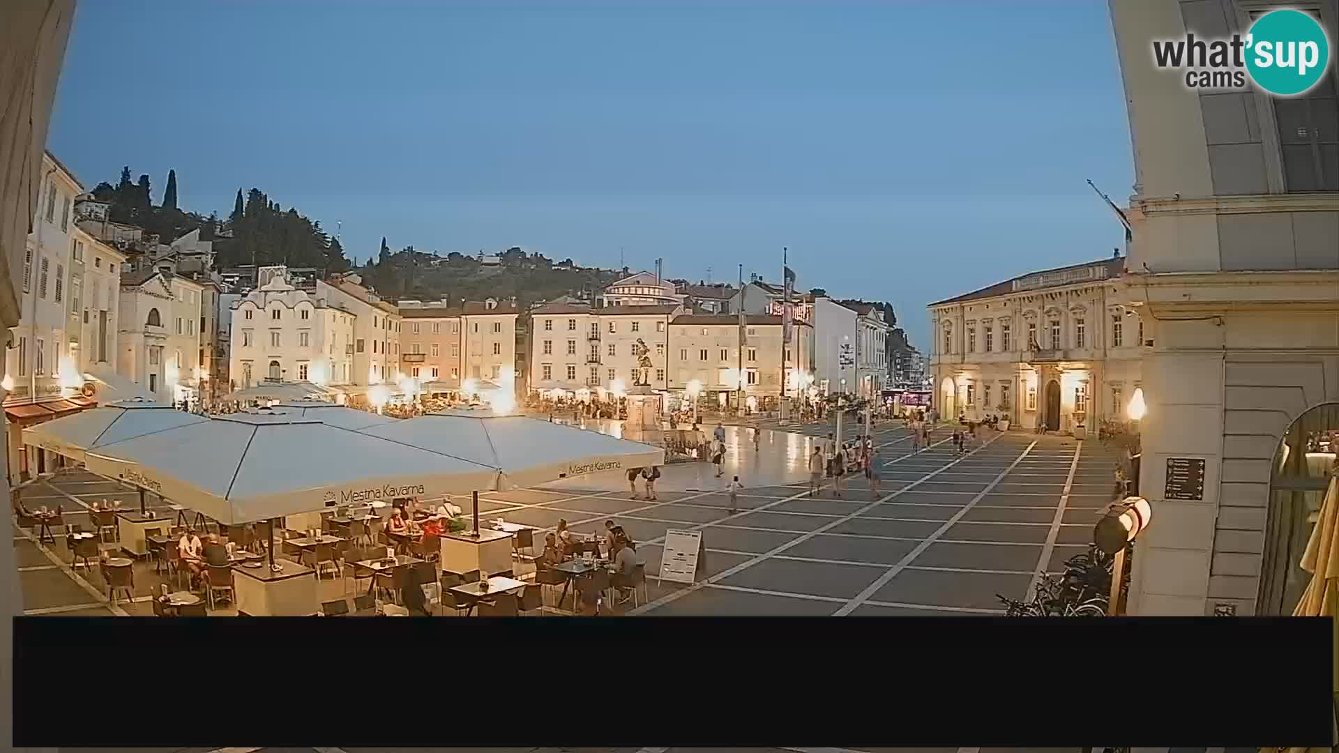 """Webcam Piran Tartini square from """"Mestna Kavarna"""""""