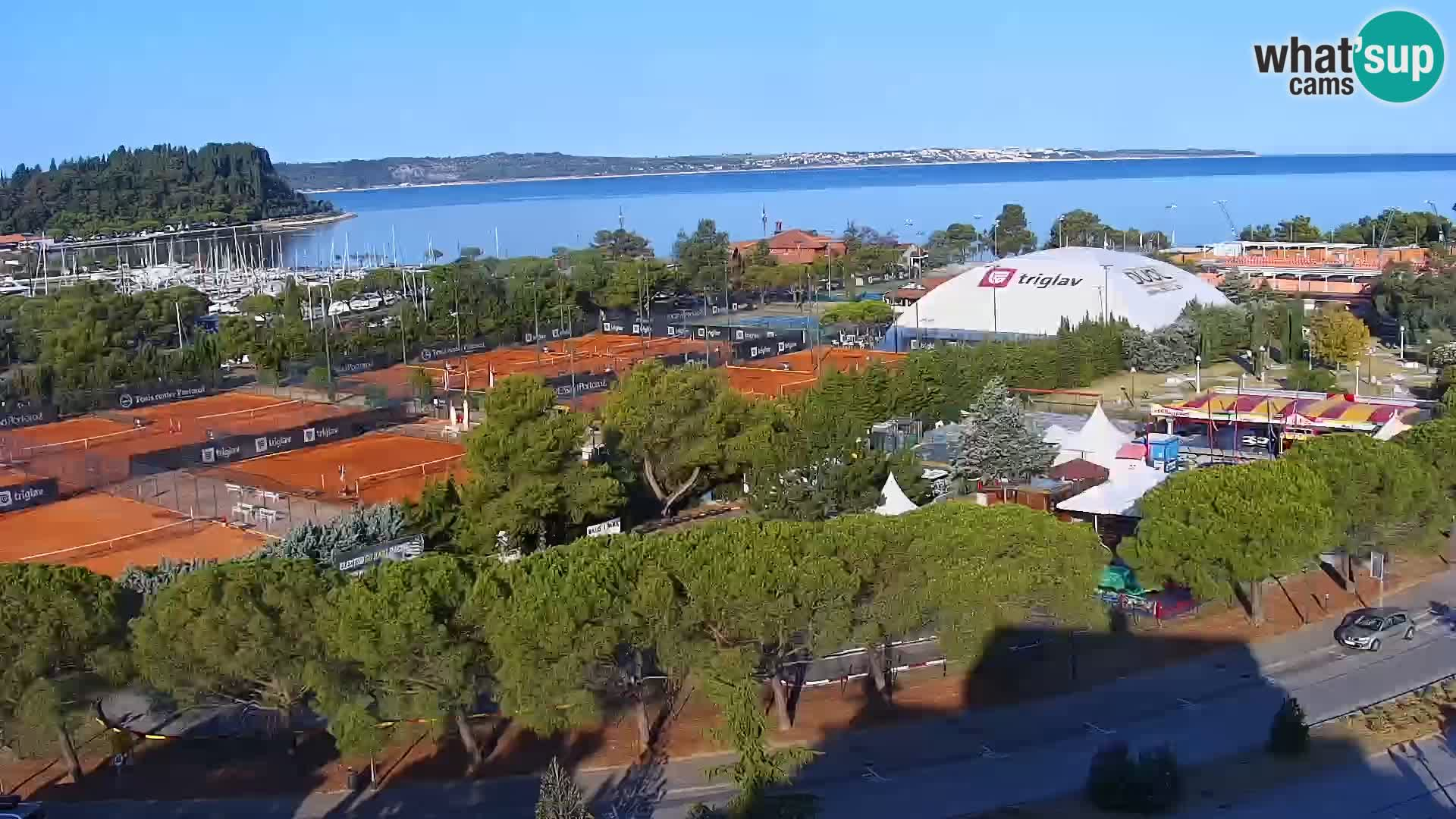 Portorož Live Webcam – vue sur la marina et les courts de tennis