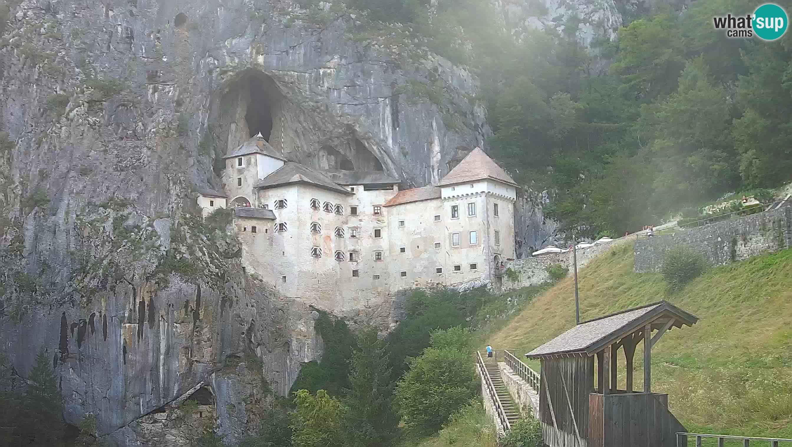 Live Webcam Höhlenburg Predjama – Postojna – Slowenien
