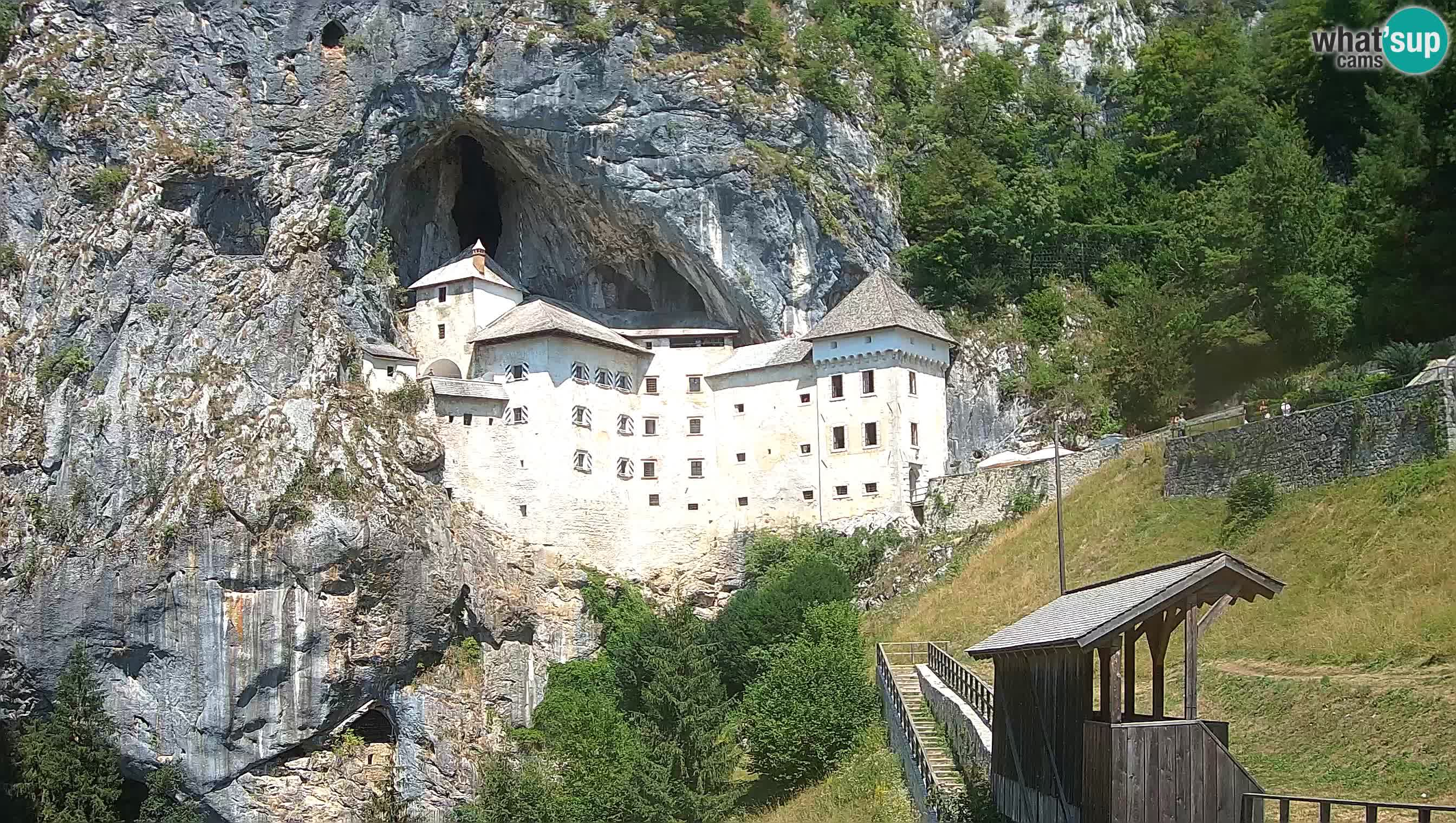 Live Webcam Grad Predjama – Château de Predjama – Postojna – Slovénie