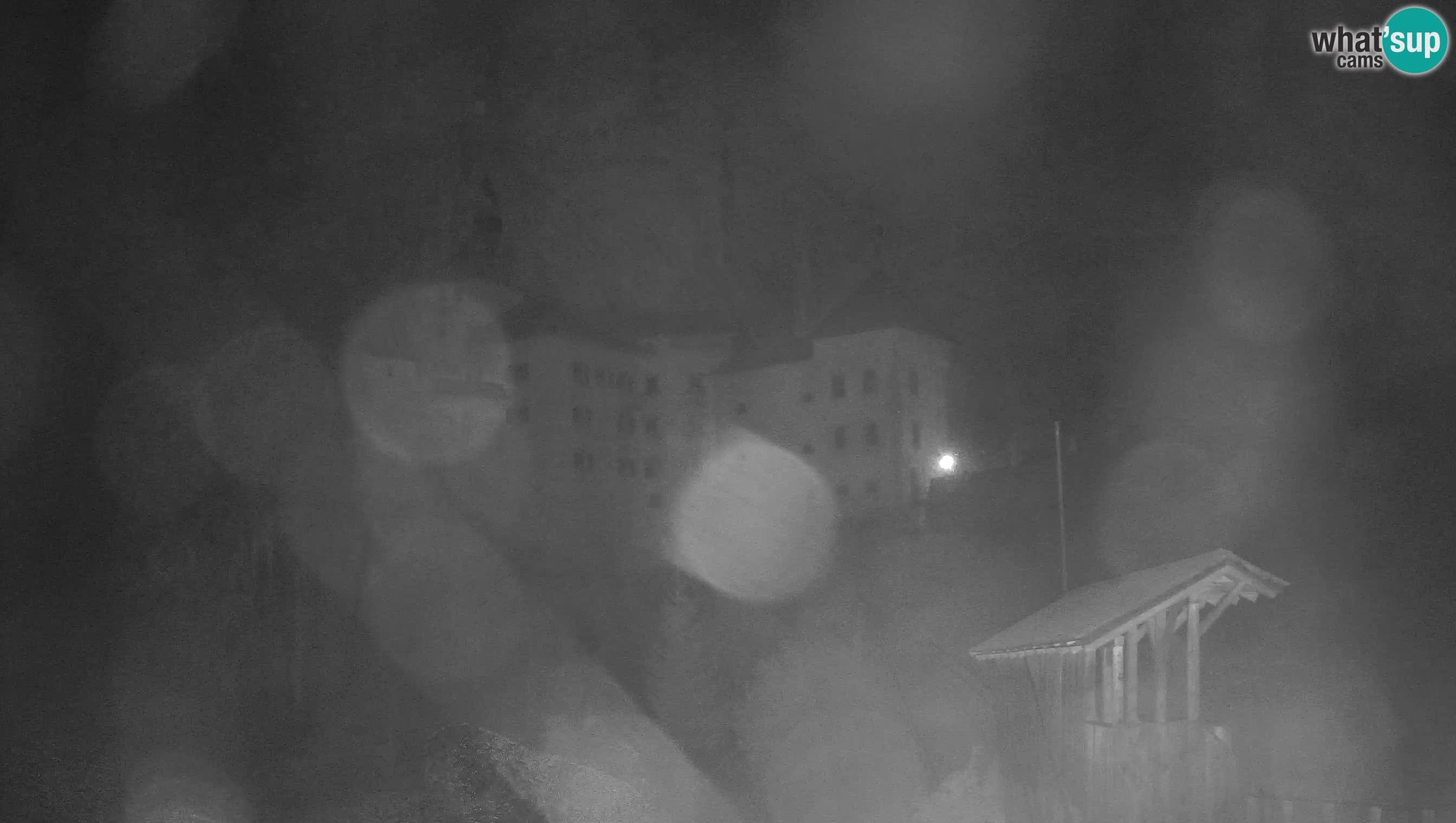 Web kamera Predjamski dvorac – Postojna – Slovenija
