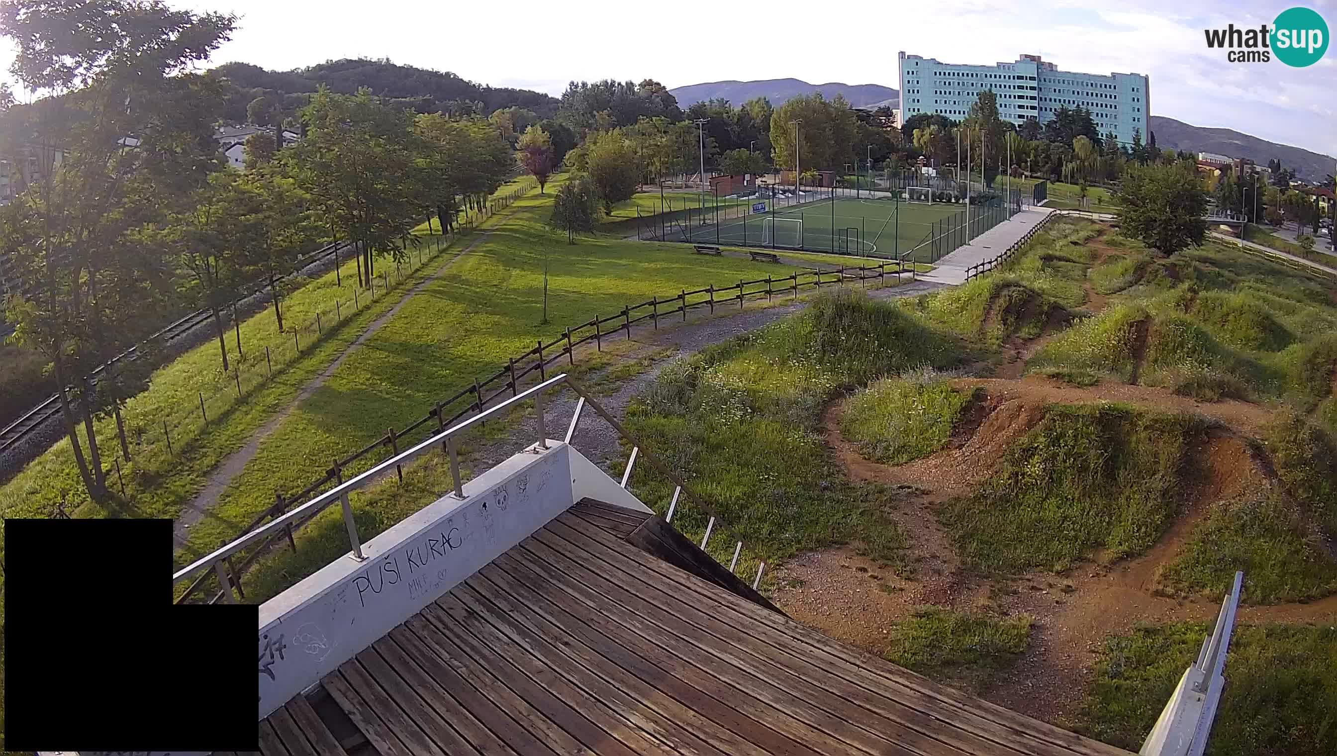 Webcam en direct du parc sportif de Šempeter pri Gorici – Slovénie