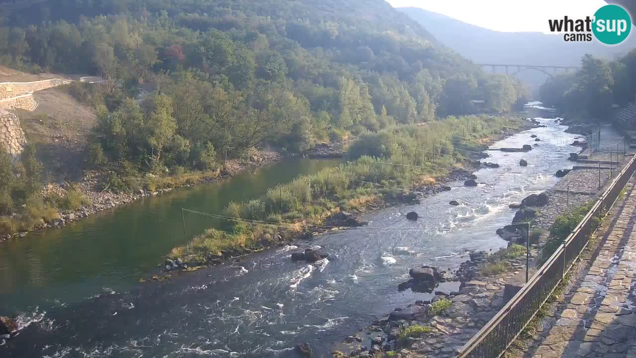 Rijeka Soča kod Solkana Kajak Center