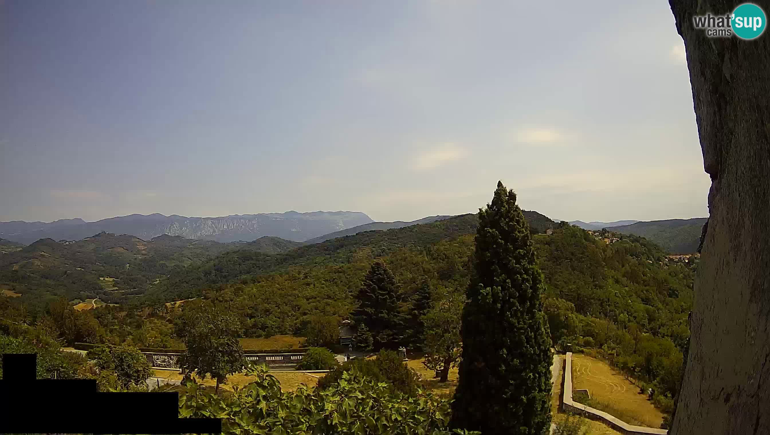 Live Webcam Štanjel –  Ferrari Garden – Slovenia livecam